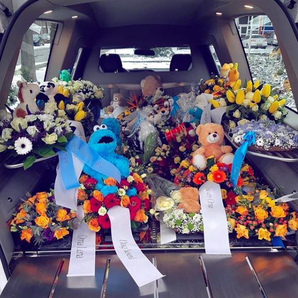 afscheid-kindje-persoonlijk-dierbaar-laatste-rit-crematorium-overlijden