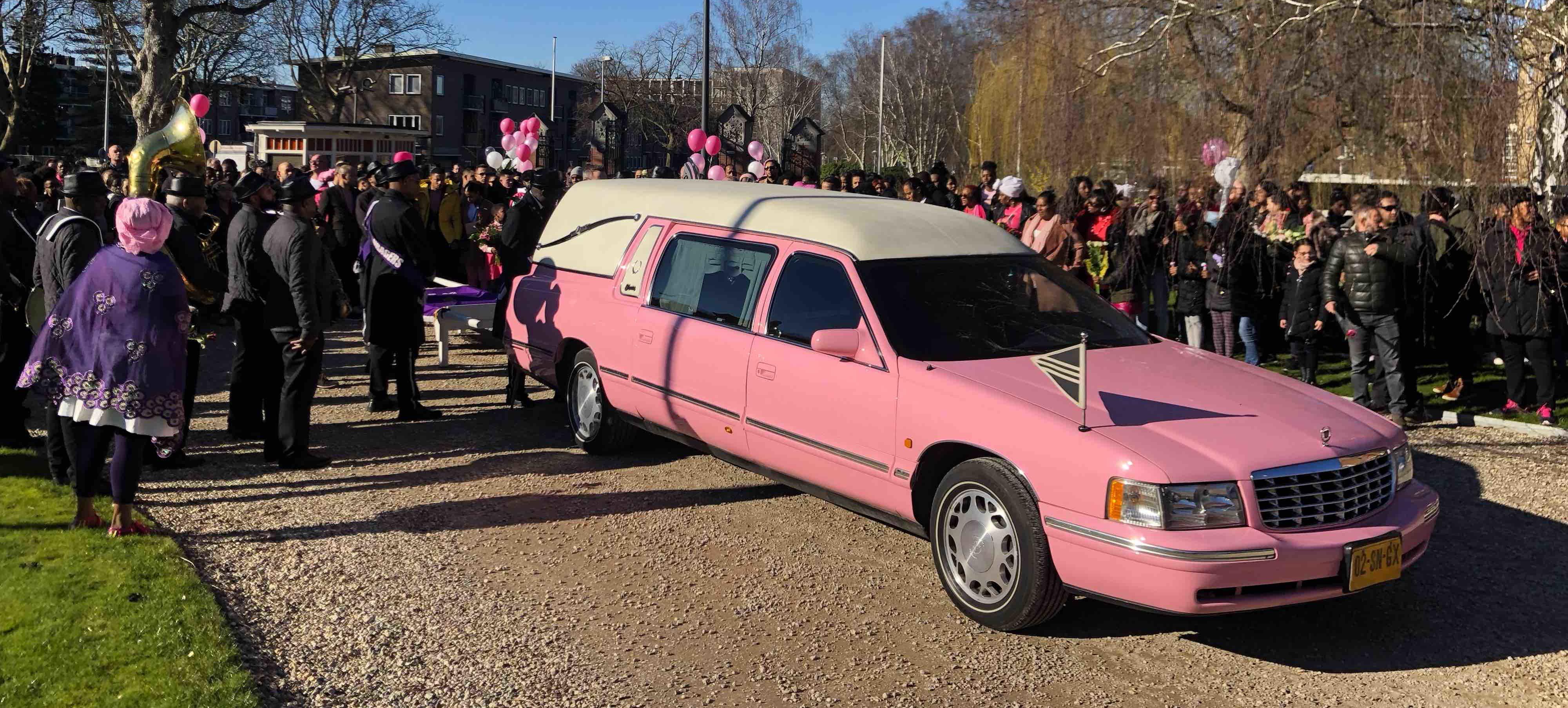 Roze uitvaart