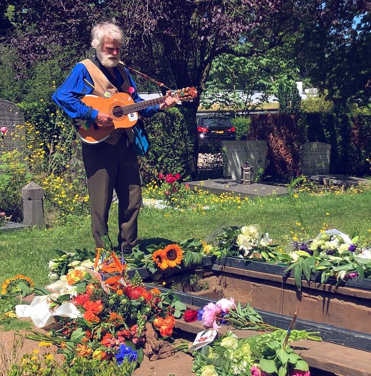 muzikant-graf-begrafenis-uitvaart-nieuweooster-amsterdam