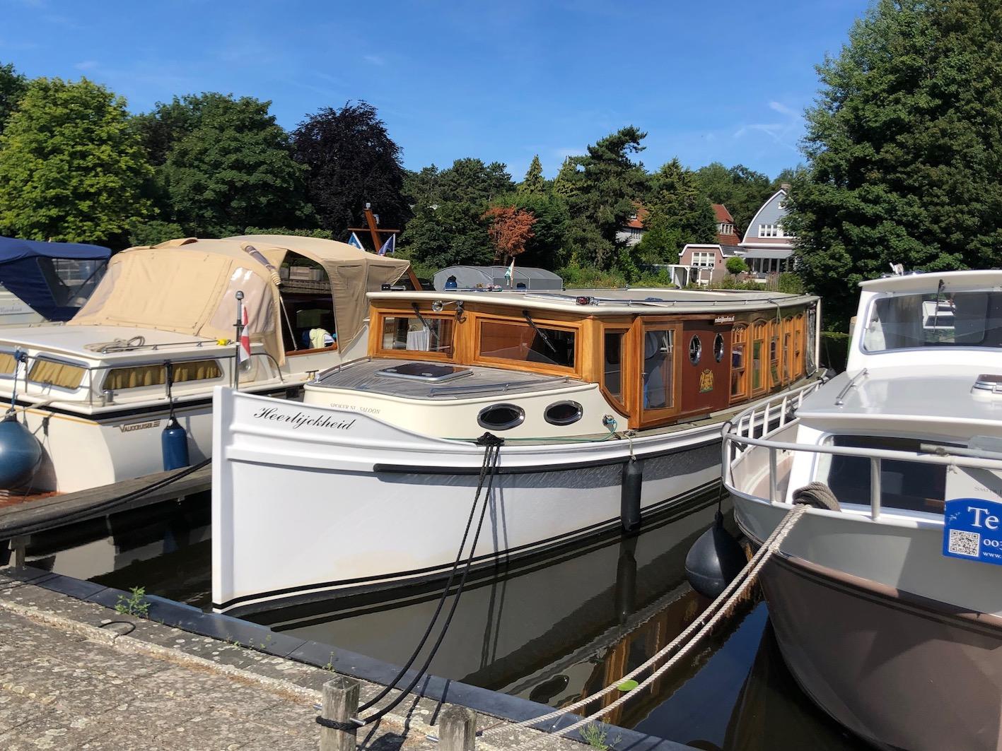salonboot-boot-over-water-uitvaart-afscheid-heemstede-begraafplaats-haarlem-haerlem