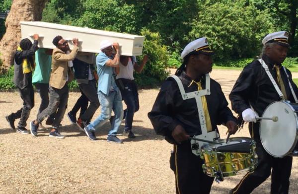 surinaamse curacao begrafenis