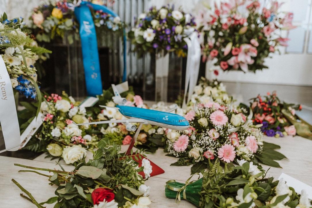 Aula Zorgvlied Steward KLM bloemen uitvaart afscheid