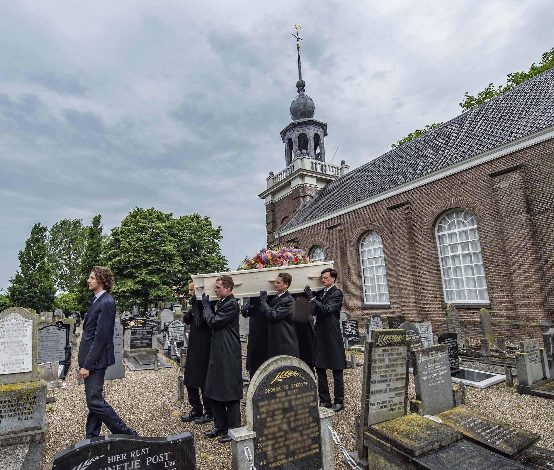 Iede Hoorn Uitvaartzorg Kerkje aan de Zee Urk Flevoland begrafenis