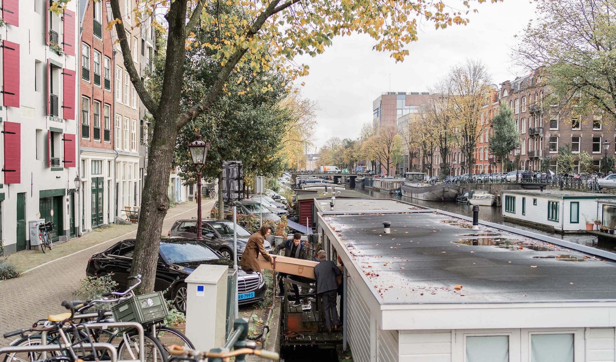 Afscheid salonboot uitvaart Amsterdam