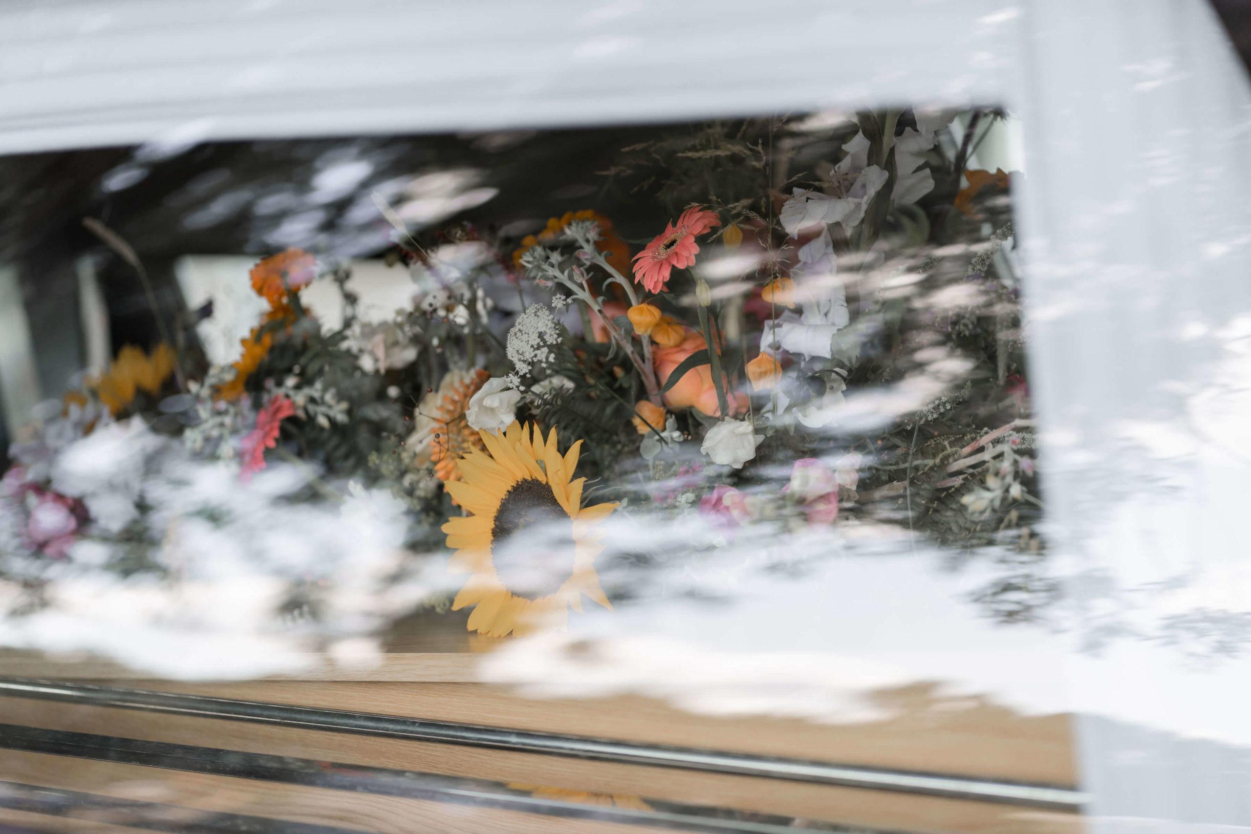 bloemen-rouwwagen-uitvaart